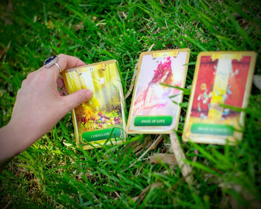 Oracle Card Readings for Groups